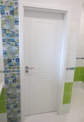 Стандартна врата за баня от боядисан MDF