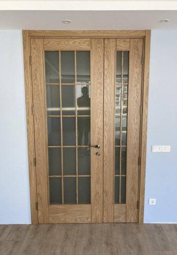 Остъклена двукрила интериорна врата